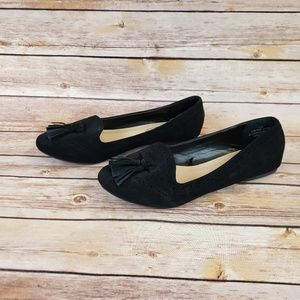Madeline Stuart Black Flats Size 10W